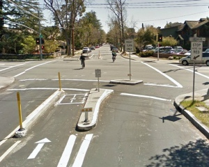 Bike-walk street in Palo Alto, CA.  From Cyclelicio.us.