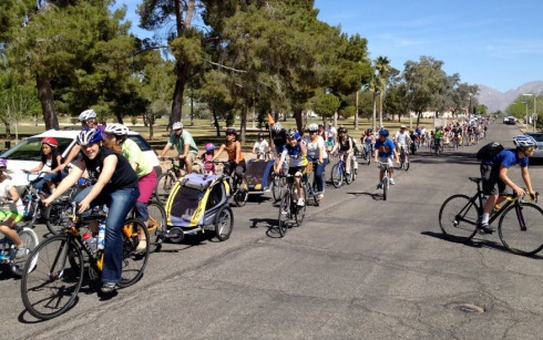Kidical Mass ride in Tuscon, AZ.  From livingstreetsalliance.org.