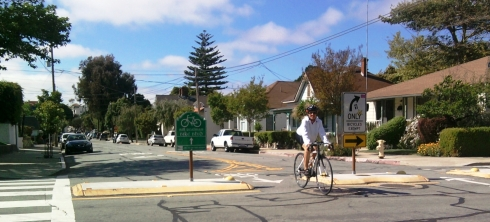 Bike boulevard with traffic diverters in San Luis Obispo, CA.  From labikas.com.